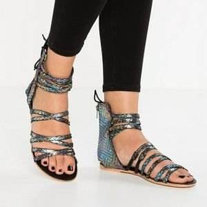 Free People Shoes - Gorgeous Shimmery Free People Gladiator Sandals